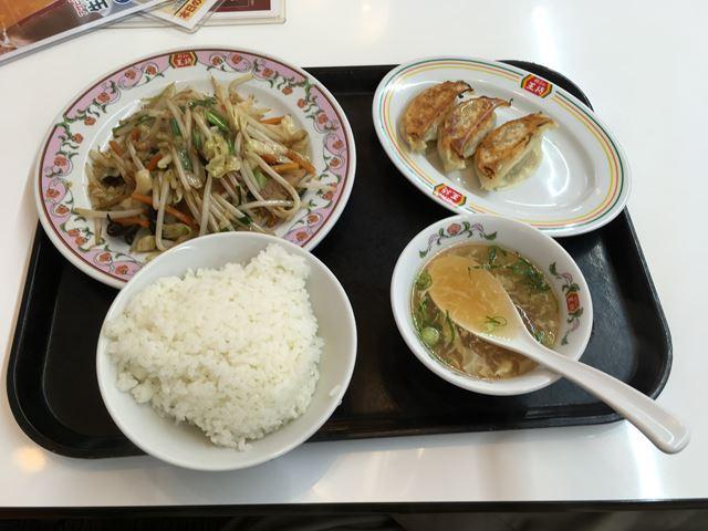 外食で野菜を食べたいときには「餃子の王将」で野菜炒めを食べる